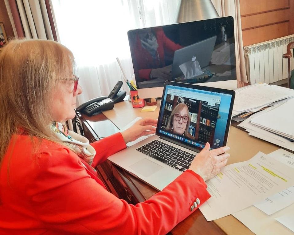 Alicia Kirchner dialogó con Kulfas desde su despacho.