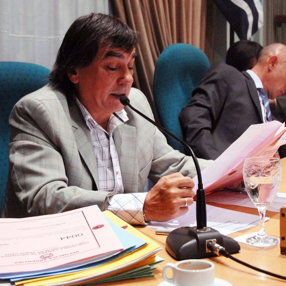 Daniel Notaro, en su puesto de prosecretario de la Cámara de Diputados de Santa Cruz. FOTO: DANIEL NOTARO / FACEBOOK