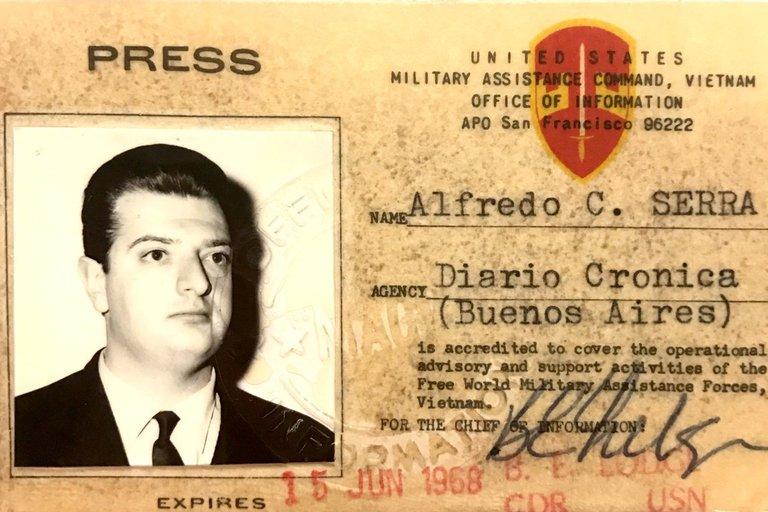 La credencial de Alfredo Serra en la guerra de Vietnam.