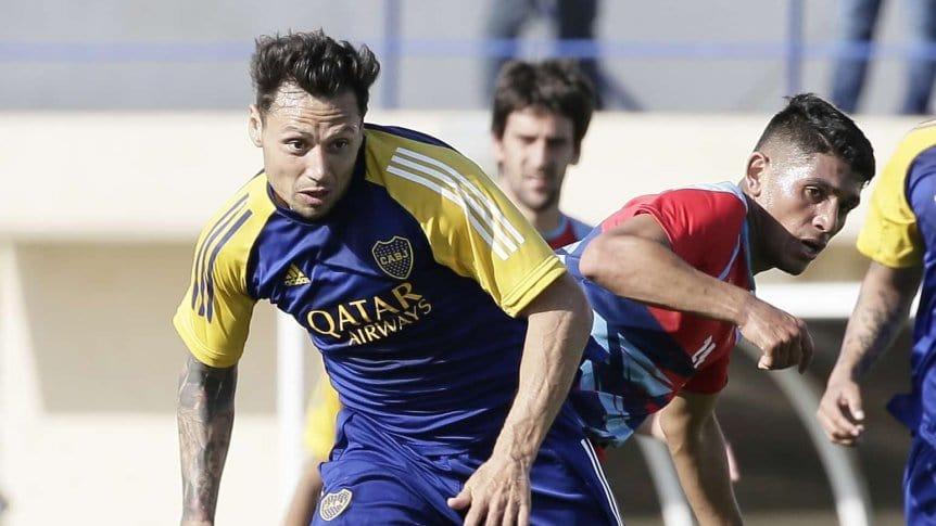 Mauro Zárate, en el encuentro contra Arsenal.