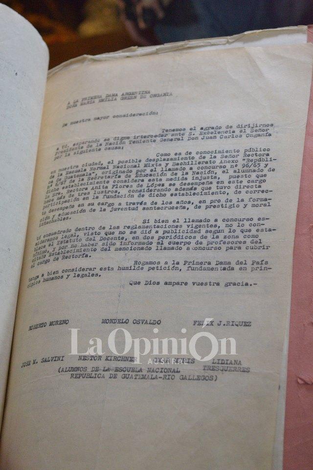 El petitorio firmado por Néstor Kirchner y Pepe Salvini.FOTO: LA OPINIÓN AUSTRAL.