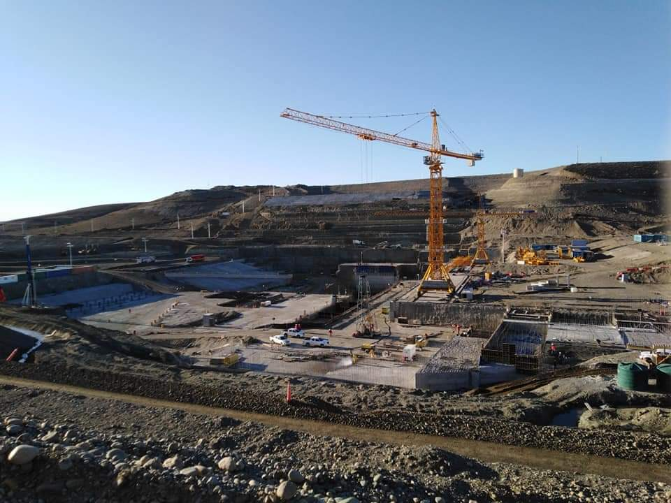 La Barrancosa, una de las represas hidroeléctricas sobre el Río Santa Cruz.