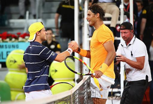 El saludo posterior a la victoria de Nadal en los cuartos de final del Roland Garros 2018.