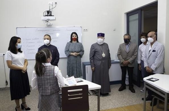 En la previa del comienzo del nuevo año académico, también visitaron el Instituto Eurnekian de la Santa Sede de Echmiadzín, inaugurado en 2009.