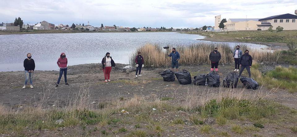Jornada de limpieza en la laguna 'María La Gorda'. (FOTO: CORTESÍA DE JORGE ACHIMÓN)