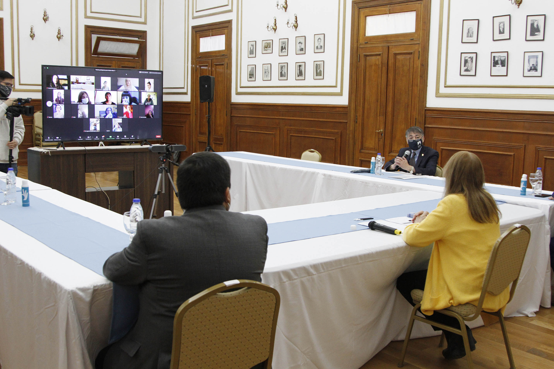 La gobernadora Alicia Kirchner encabezó el acto. FOTO: GOBIERNO