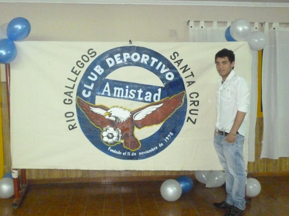 Mario en una de las cenas con el Club Deportivo Amistad.