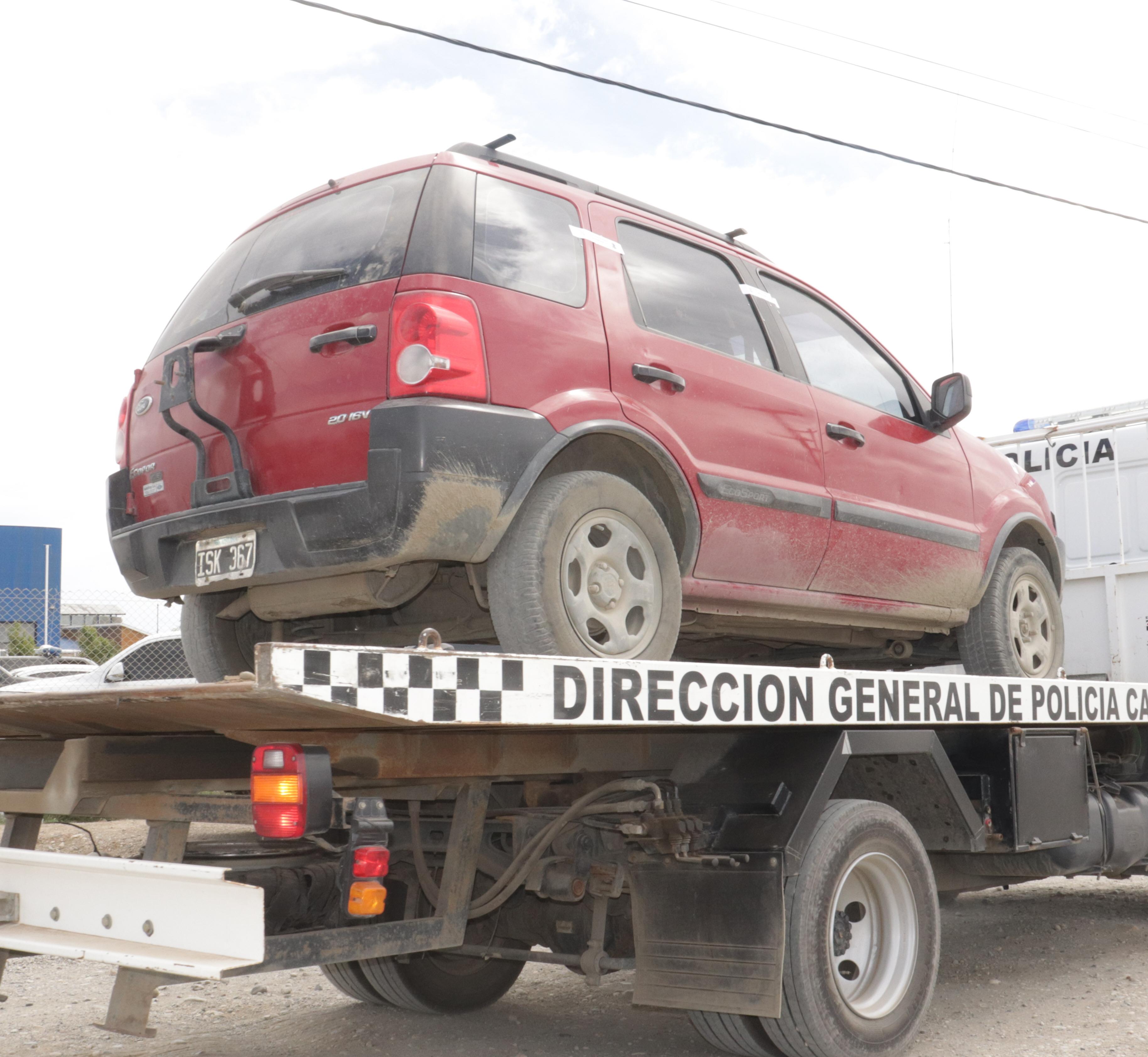 La camioneta de GBC secuestrada por la Policía.