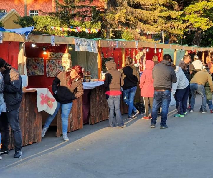 El evento cada año cuenta con la participación de artistas y artesanos. FOTO: ARCHIVO