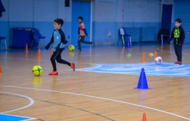 Los entrenamientos de la escuelita de fútbol de Hispano en junio de 2020. FOTO: ARCHIVO