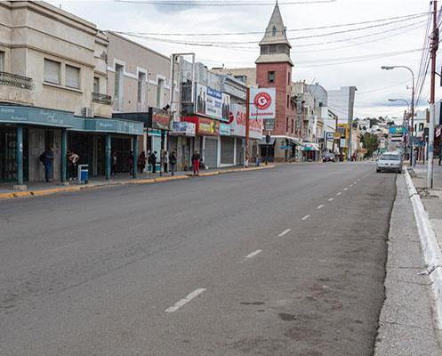 La avenida céntrica de Comodoro Rivadavia será repavimentada. FOTO: DIARIO CRÓNICA