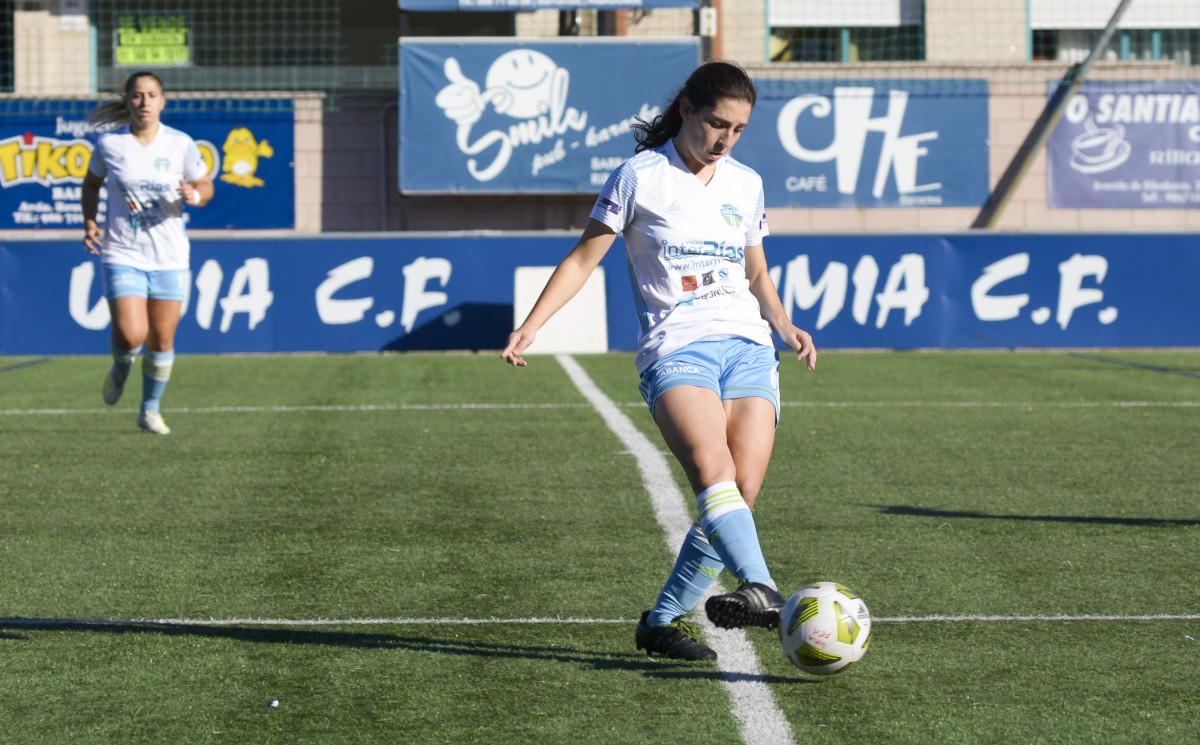 Paula Dapena, jugadora del Viajes Interrías FF.