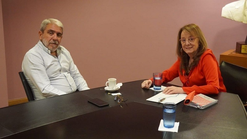 La gobernadora de Santa Cruz con Aníbal Fernández.