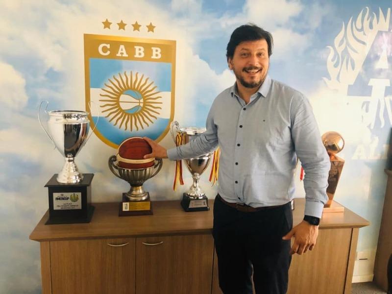 Hace menos de un año, Mauricio Gómez Bull se incorporó al COA.