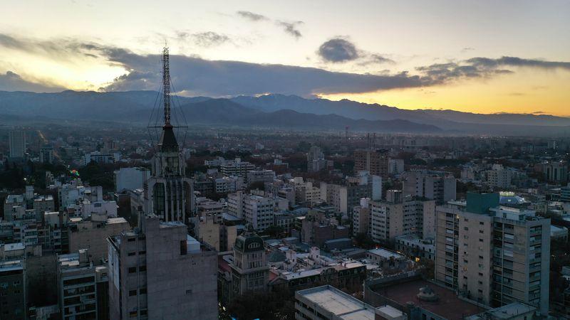 Mendoza quedó primera en el ranking según la encuesta privada.