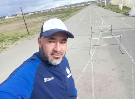 José Soto, entrenador de la escuela de atletismo 'Hijos del Viento' de Las Heras.