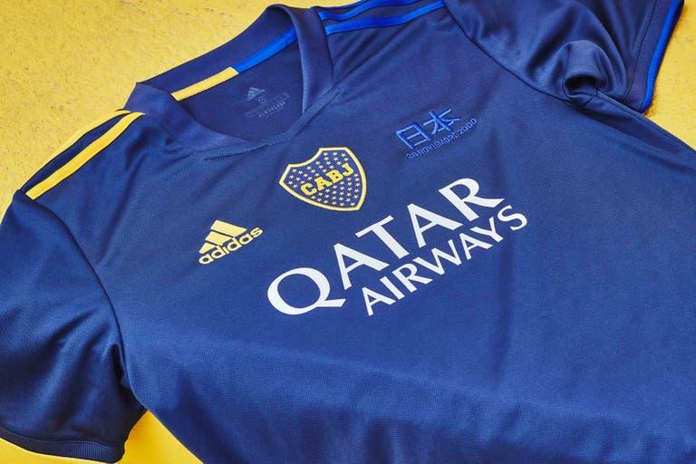 Así luce la nueva camiseta de Boca, con el bordado especial en el lado izquierdo.