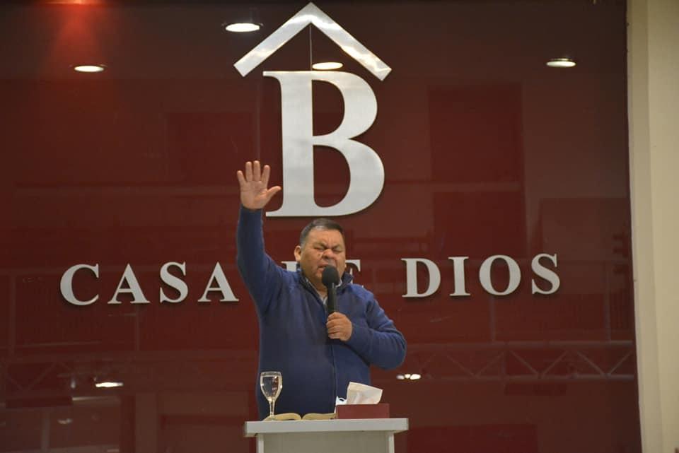 Segundo Gamin encabezó las 5 reuniones del domingo en la Iglesia Bet El, de calle Entre Ríos, en Río Gallegos.