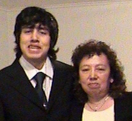 La última foto de Damián con su mamá Carmen.