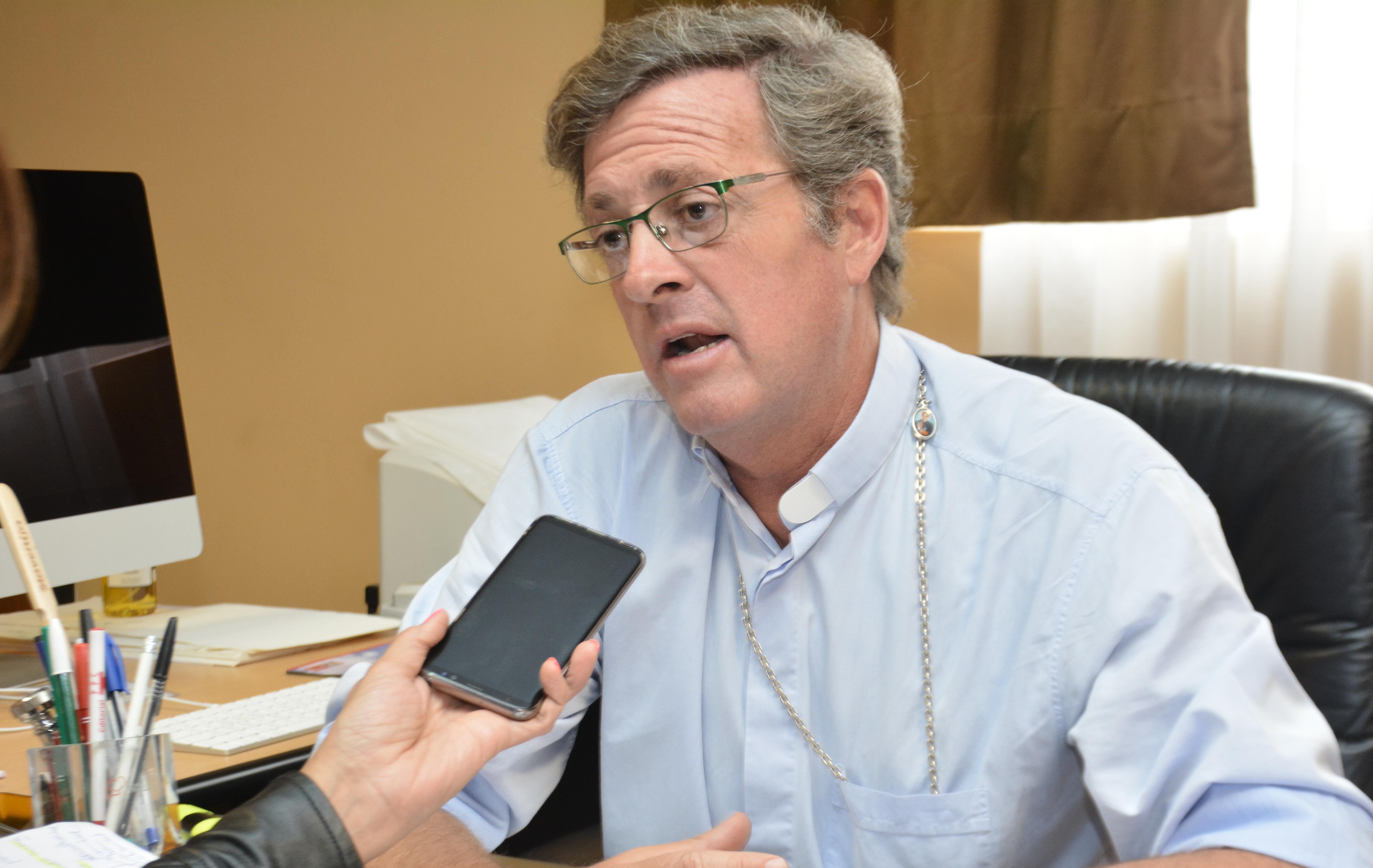 Para el obispo García Cuerva, 'no es momento' para debatir el aborto.