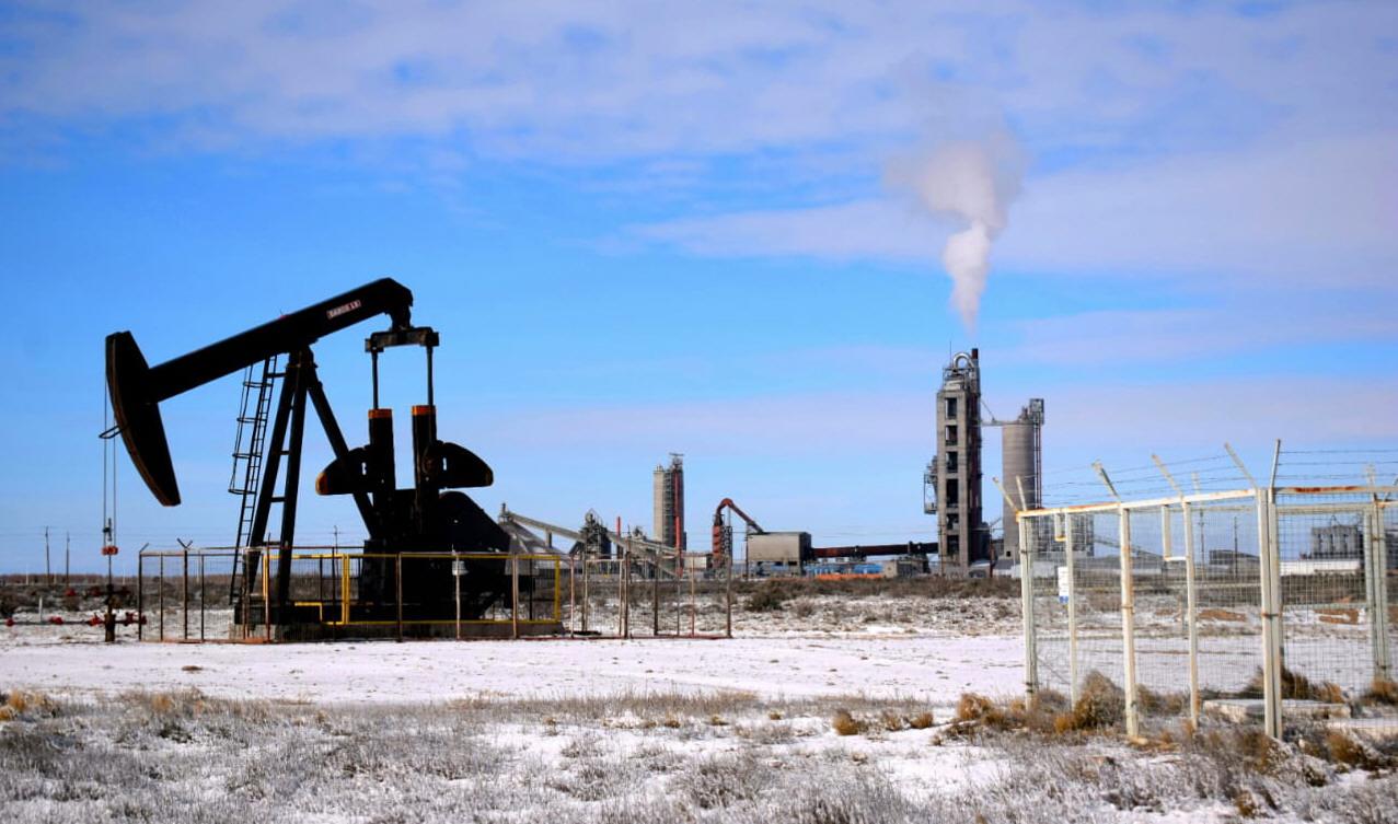 La producción de petróleo se recupera paulatinamente en Santa Cruz | La  Opinión Austral
