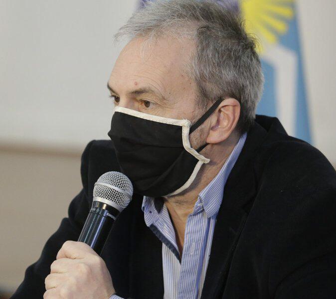 Ministro de Salud de la provincia, Fabián Puratich.