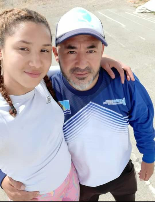José Soto, junto a Kimberly Rodríguez, atleta de Las Heras.