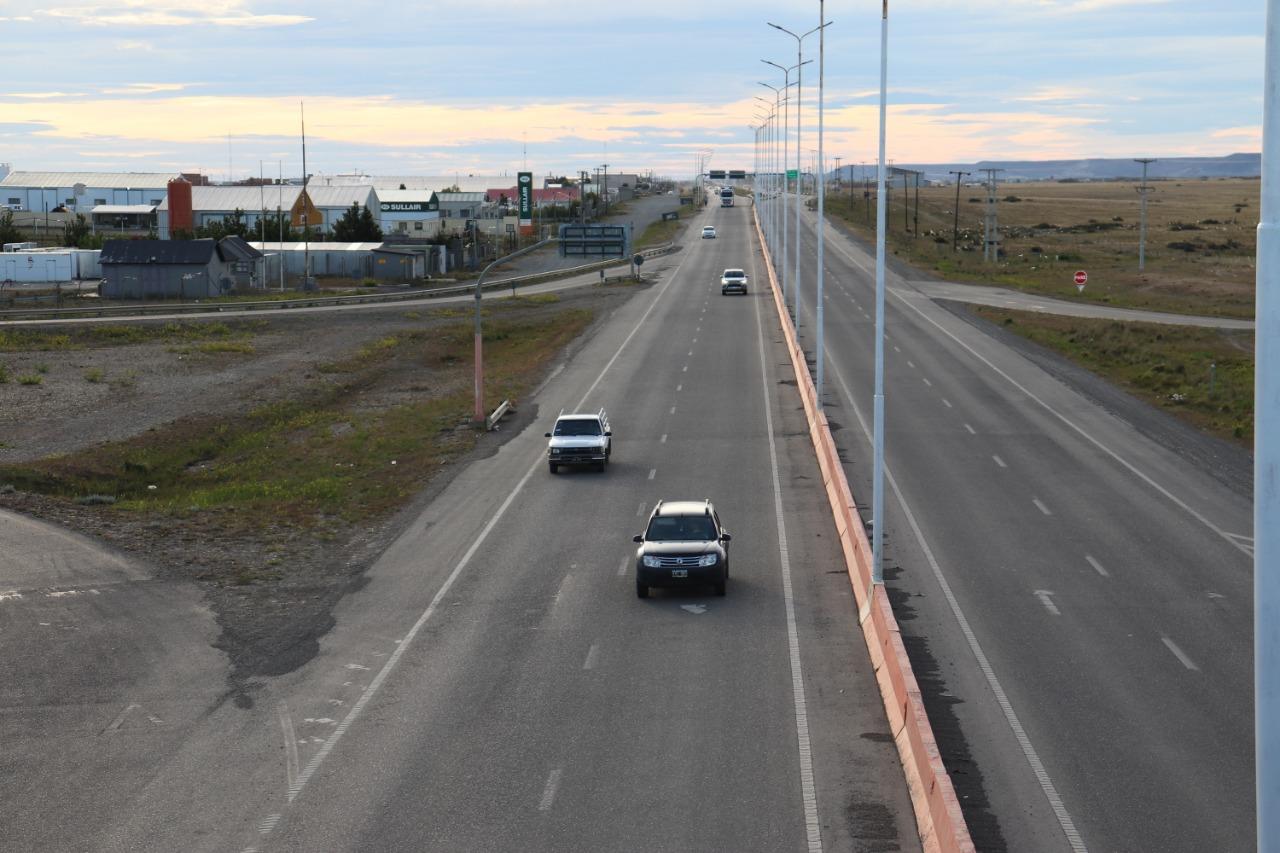 Más de 200 autos salieron de la ciudad para pasar un día al aire libre. Foto: Mirta Velázquez/La Opinión Austral