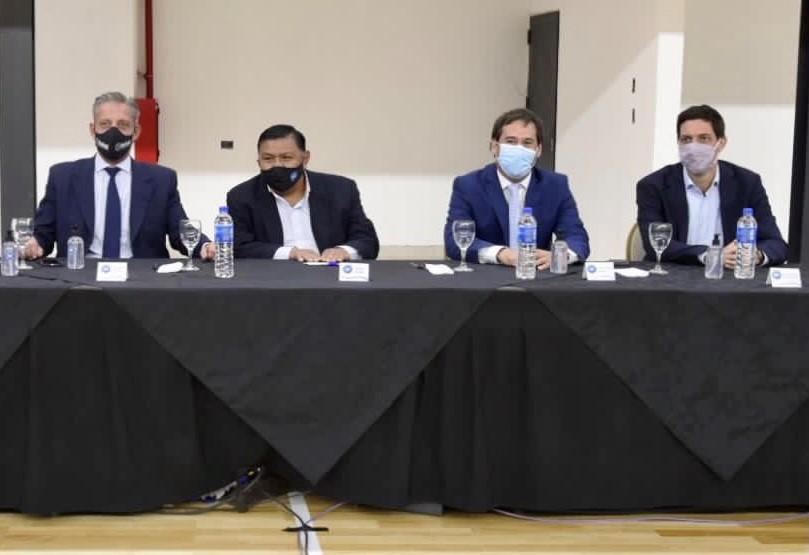 Mariano Arcioni, Jorge Ávila, Juan Pablo Luque y Juan Martín Bulgheroni en la inauguración del Gimnasio del Sindicato en km5. (Foto: Solange Alarcón/La Opinión Zona Norte)