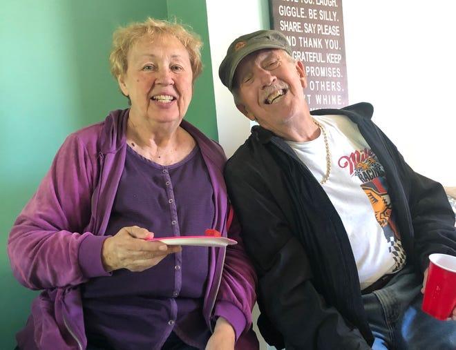 Patricia y Leslie McWaters.