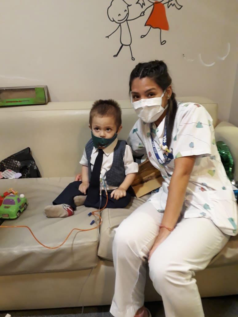 Andy lucha con su trasplante en Buenos Aires. 'Es admirable su fuerza', dijo Ismael, su papá.