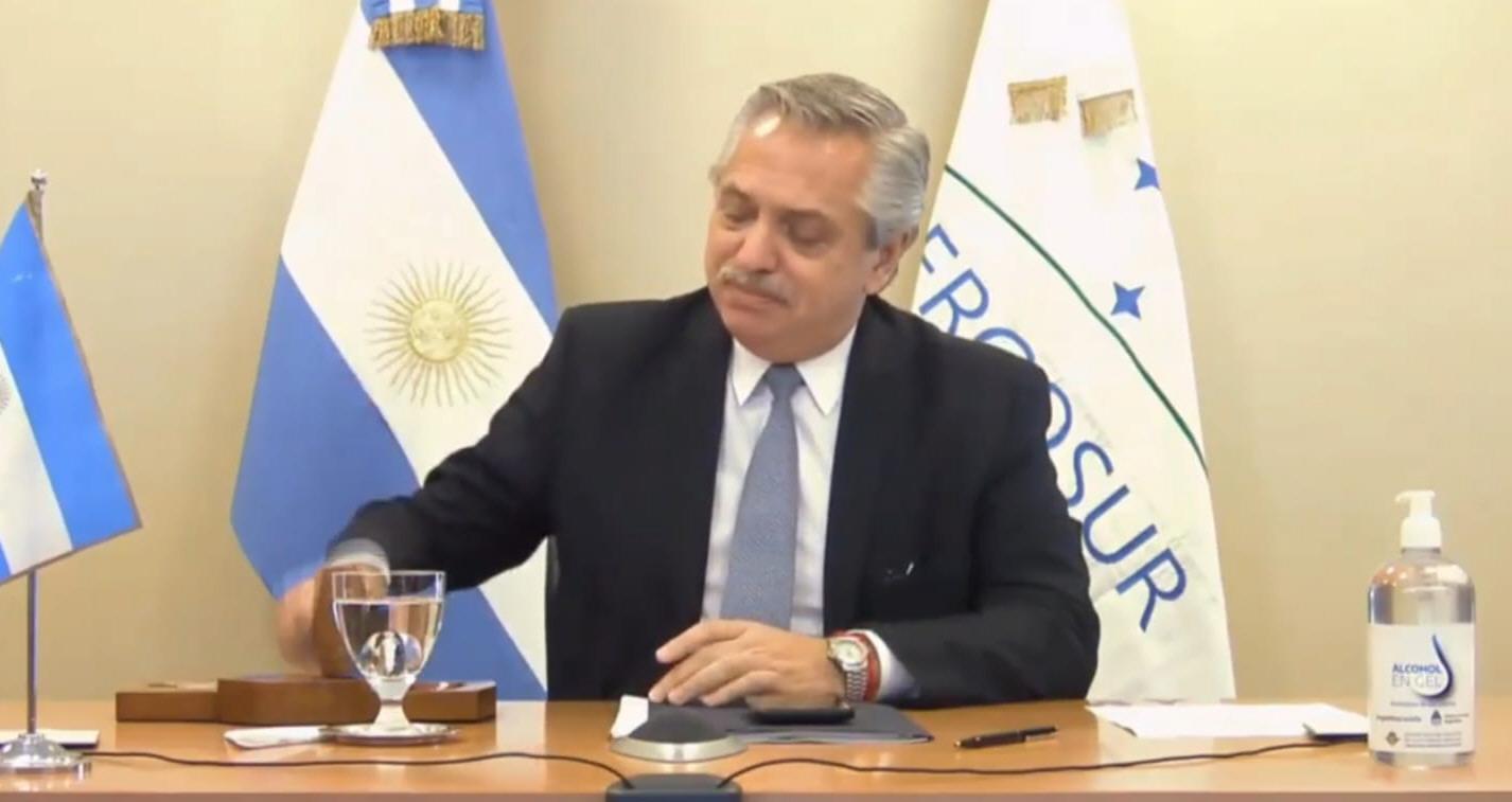 A mediados de diciembre, Alberto se hizo cargo de la presidencia.