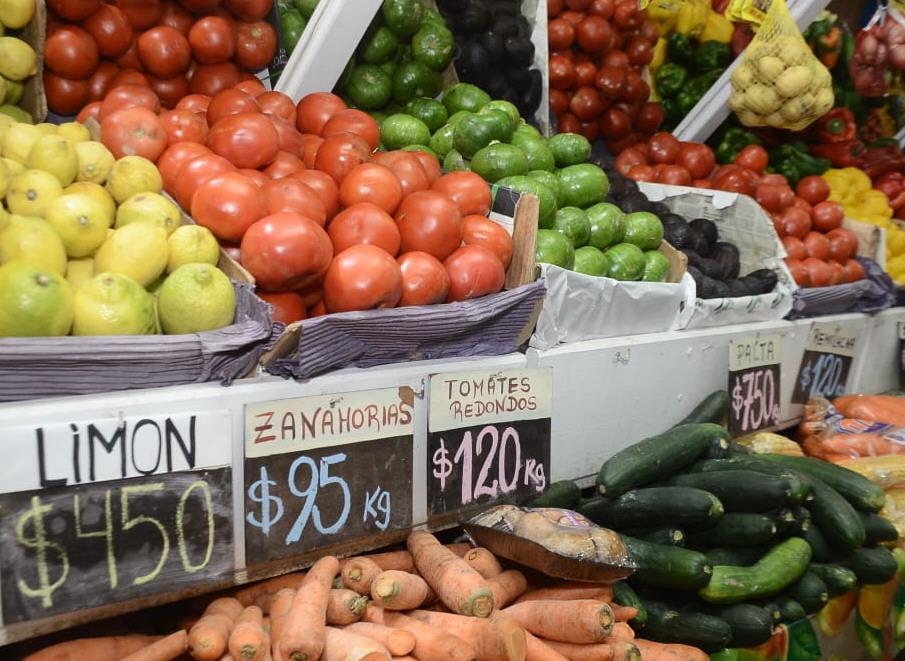 Los productos de estación se mantienen a valores accesibles. FOTO: JOSÉ SILVA/LA OPINIÓN AUSTRAL