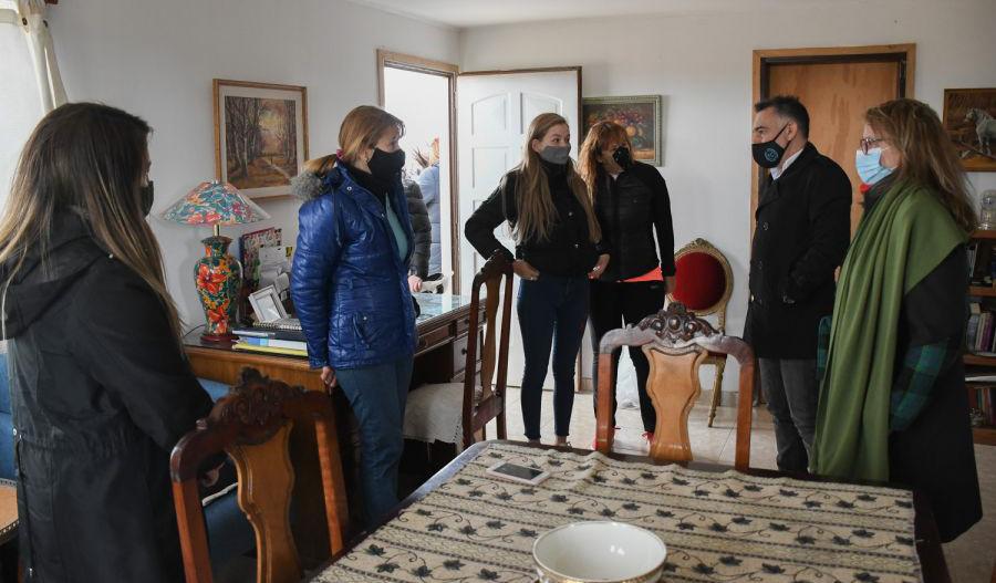 Alicia y los funcionarios del Gabinete escucharon el relato de la gente. FOTO: PRENSA DE GOBIERNO