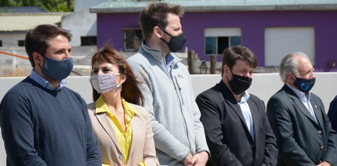 Ministros Leandro Zuliani y Silvina Córdoba, el secretario Mariano Bertinat y el titular del CAP, Javier de Urquiza. FOTO: GOBIERNO DE SANTA CRUZ