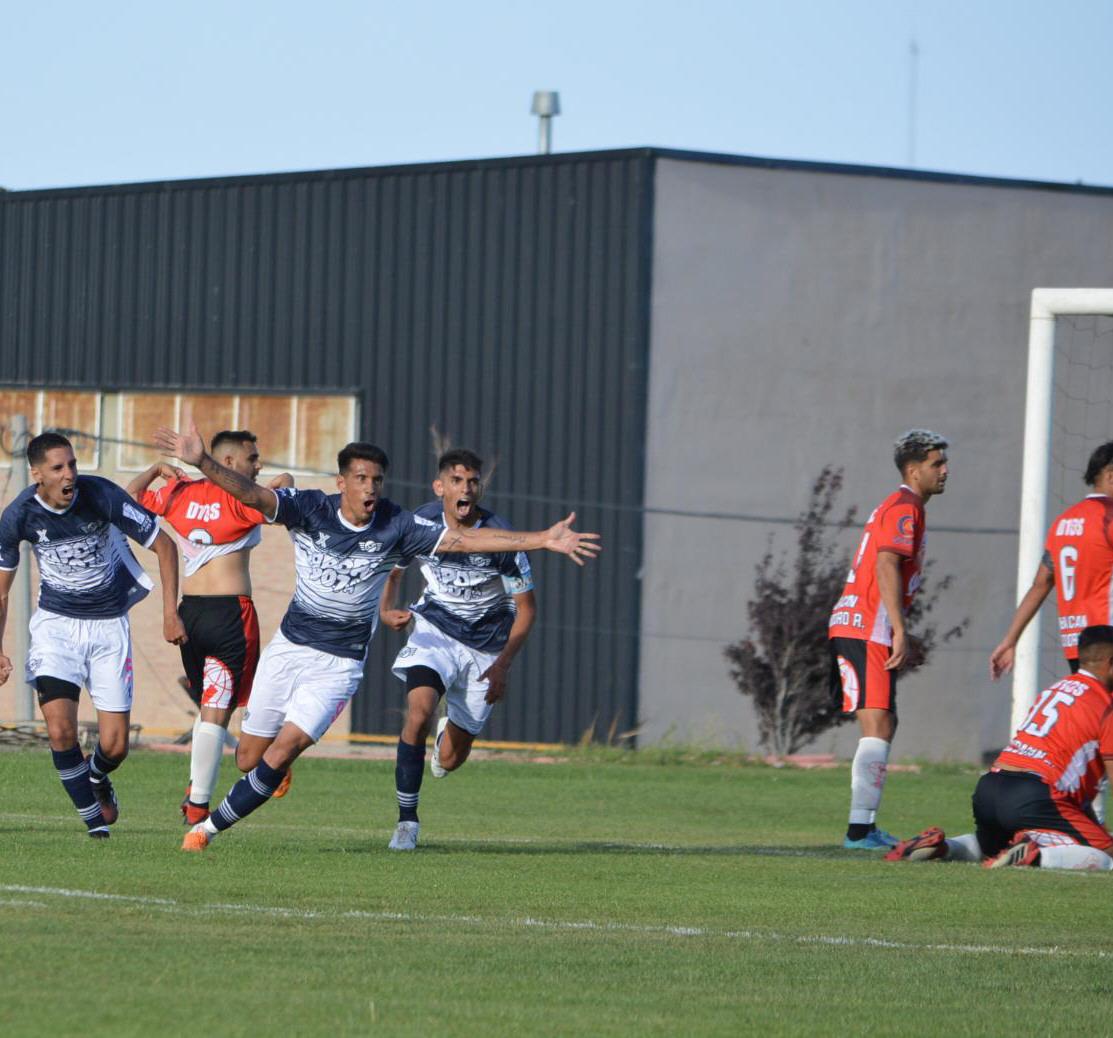 El grito de gol de Mauro Villegas a los 47 del segundo tiempo. FOTOS: PASTA DE CAMPEÓN
