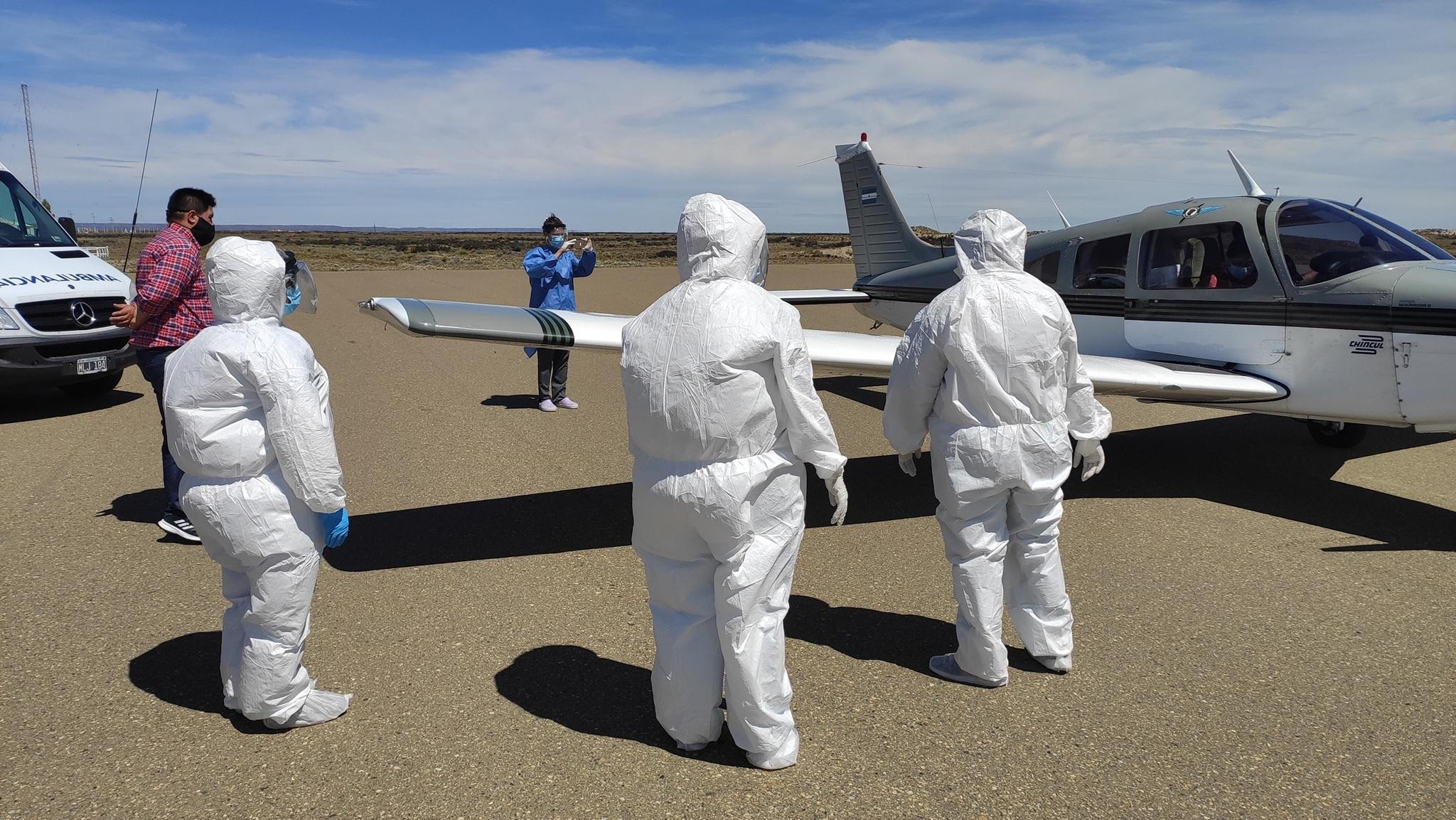 Un vuelo privado llevó desde Río Gallegos a Puerto Santa Cruz, el cargamento con dosis de la vacuna Sputnik V.