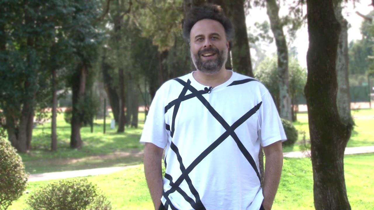 Fernando actualmente vive en Madrid. Desde las redes sociales comunicó sus sentimientos con emotivos mensajes.