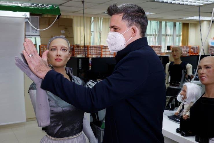 Hanson Robotics planea producir masivamente robots sociales