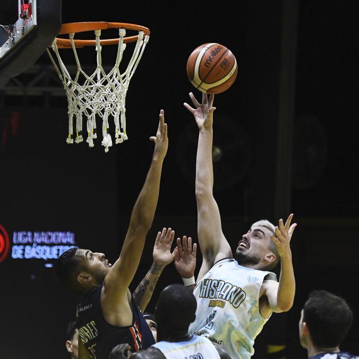 Lucas Gargallo obtuvo un triple doble frente a Bahía: 18 puntos, 12 rebotes y 10 asistencias. FOTO: RODRIGO DEL VALLE / LA LIGA