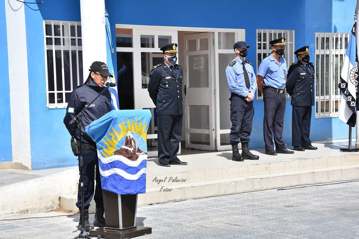 El acto en Las Heras se realizó frente a la misma comisaría dónde Jorge Sayago fue atacado en la noche del 6 de febrero. FOTO: GENTILEZA ÁNGEL PALACIOS