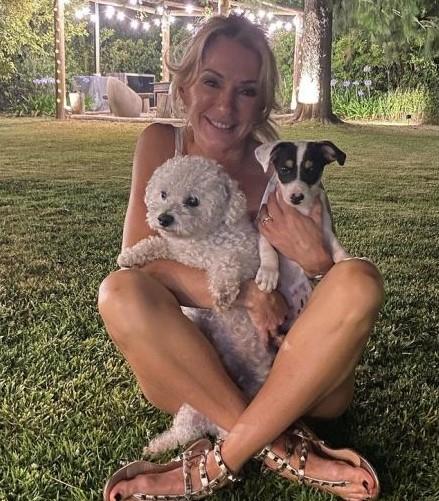 Yanina Latorre junto a Toto y Polo.