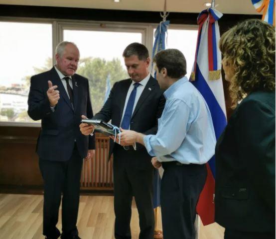 El embajador ruso fue recibido por el gobernador de Tierra del Fuego, Gustavo Melella. El interés de las empresas rusas en el petróleo en la agenda.