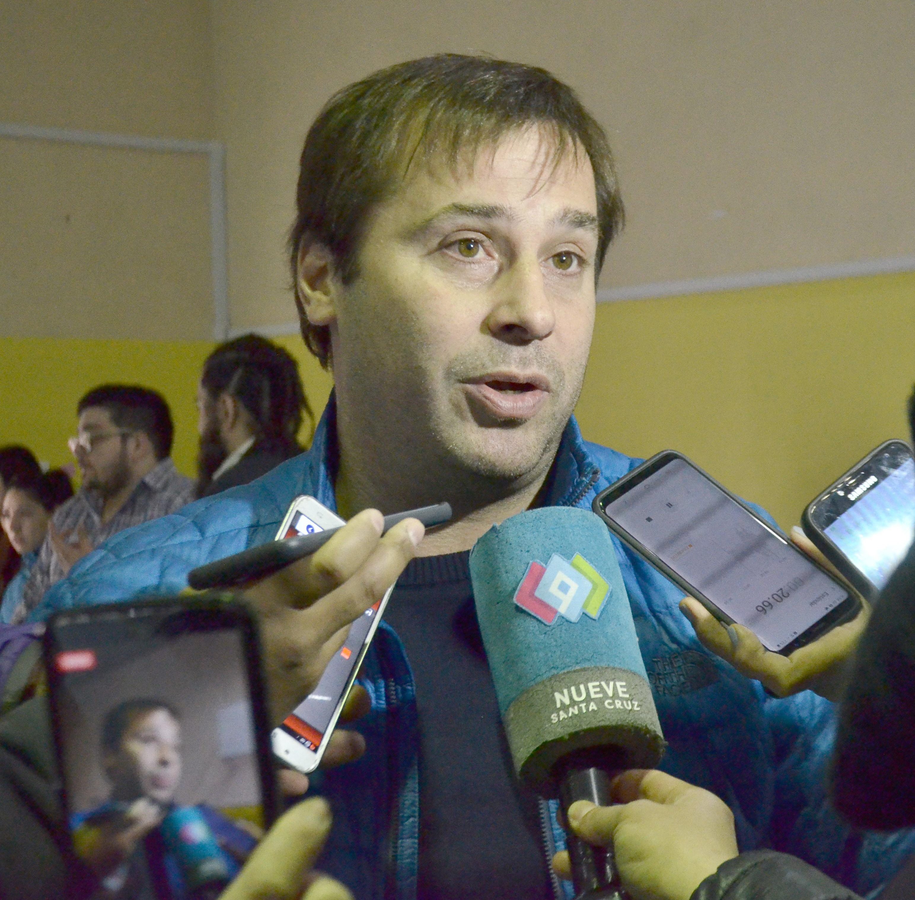 Daniel Roquel (UCR) espera ser convocado al debate.