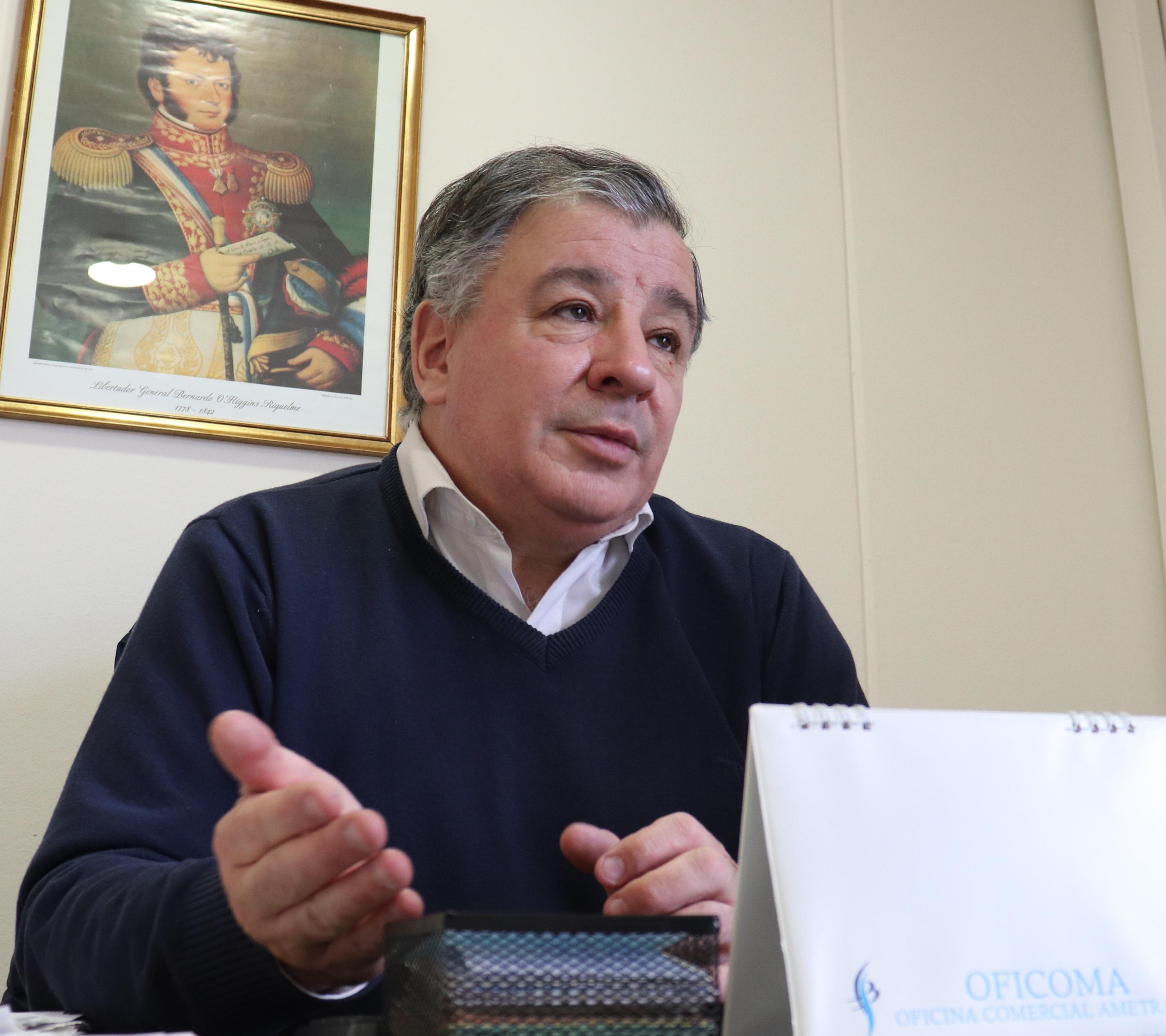 El cónsul de Chile en Río Gallegos, Sergio Valenzuela. Foto archivo La Opinión Austral.