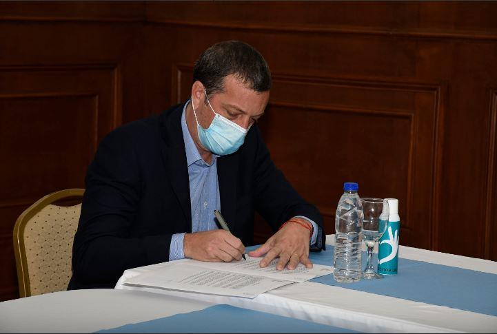 El ministro Perincioli estuvo en Pico Truncado y adelantó la posibilidad de que se reúna la OPHEFI en Río Gallegos.