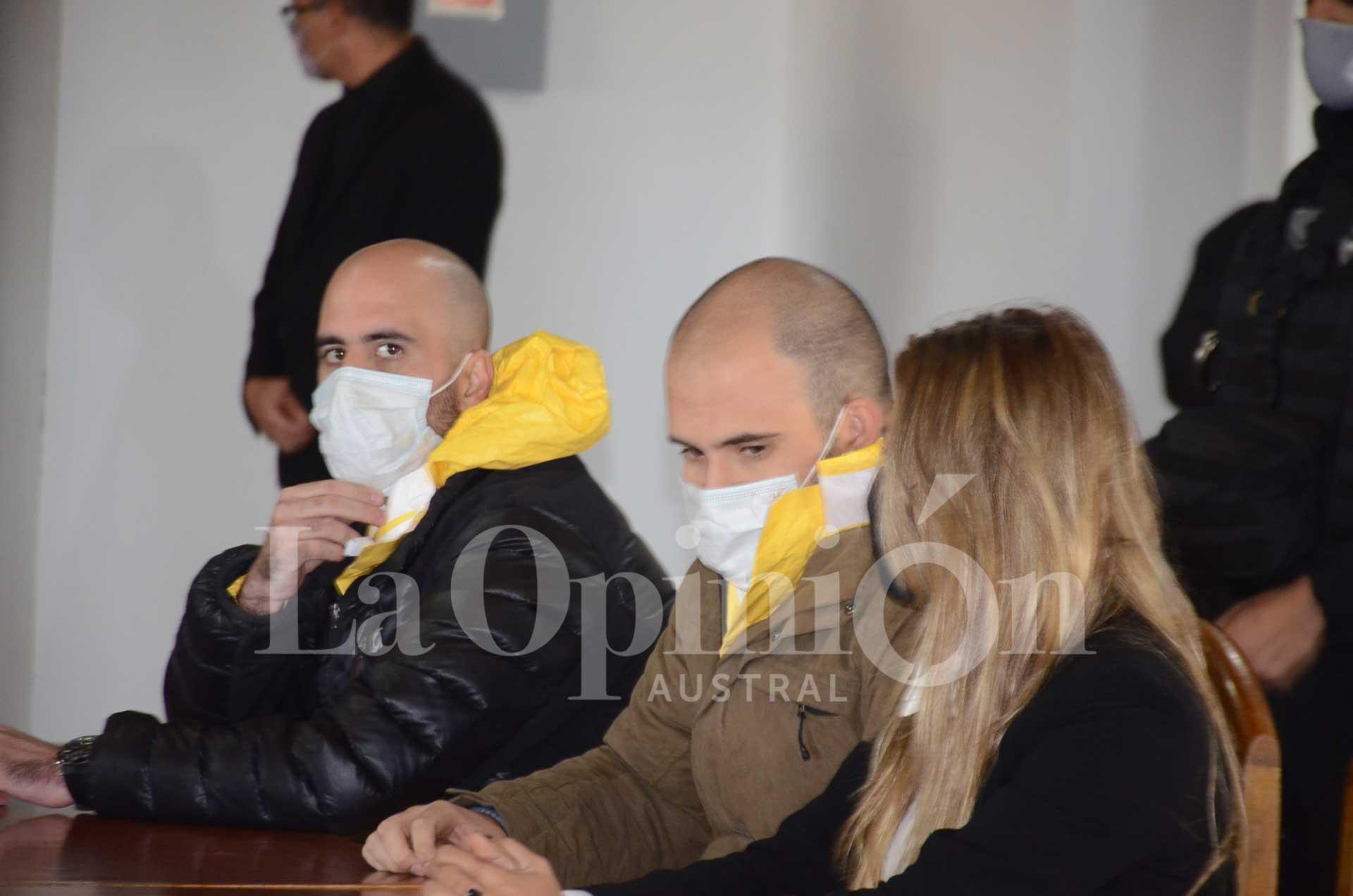 Luis y Maximiliano, condenados a cadena perpetua. Foto: Mirta Velásquez / La Opinión Austral