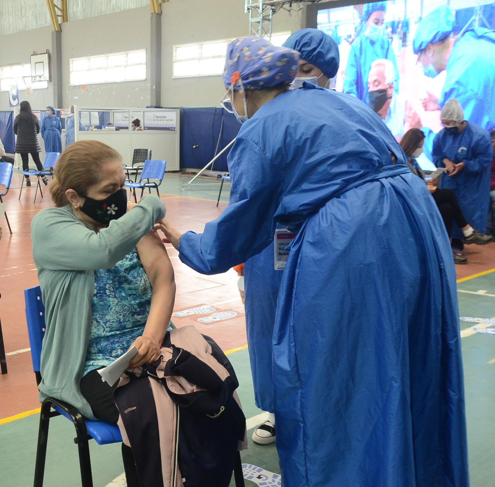 El personal de la cartera de Salud y una labor impecable. Foto: José Silva/La Opinión Austral