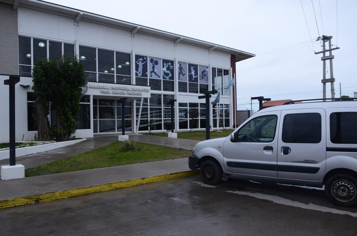 Albergue provincial deportivo, ubicado en la Av. Lisandro de la Torre de Río Gallegos. Foto: José Silva/La Opinión Austral