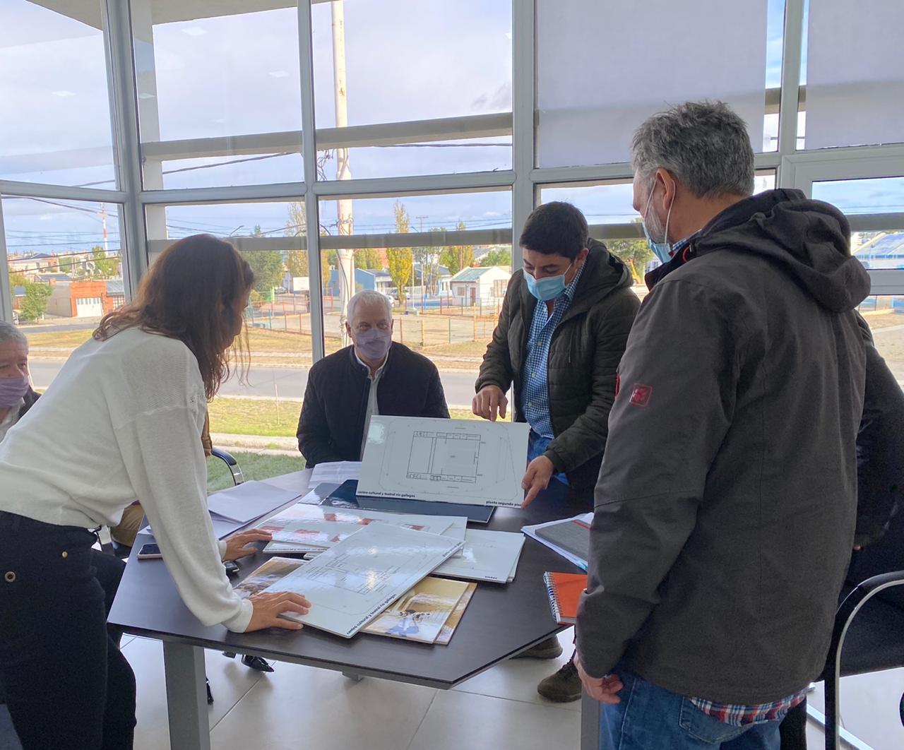La reunión fue en las instalaciones del IDUV, sobre Av. Gregores.